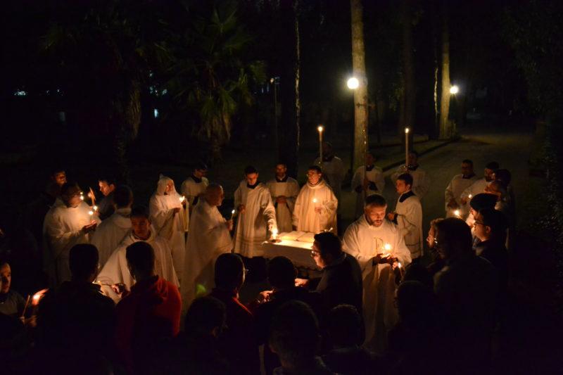 """Cristo: """"Luce per illuminare le genti"""""""